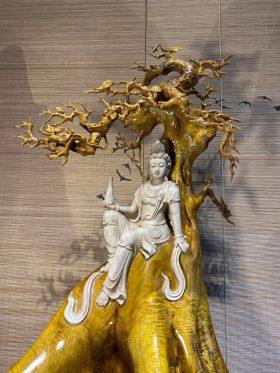 Quan âm tự tại gỗ kim tơ mộc nam chỉ vàng cao 86cm 2