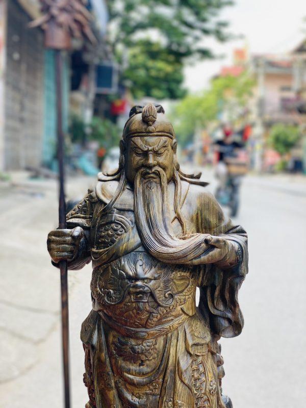tượng quan công chống đao vuốt râu gỗ mun hoa 2