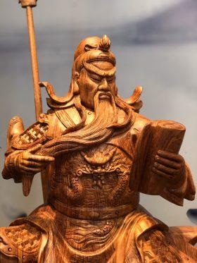 tượng gỗ quan công vuốt râu đọc sách cao 50