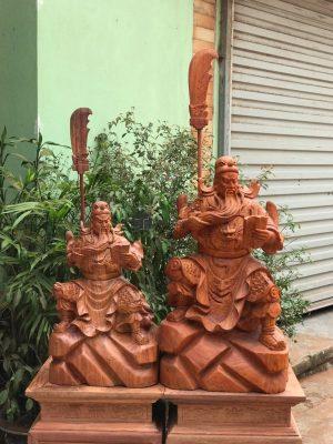 tượng gỗ quan công vuốt râu đọc sách đẹp 1