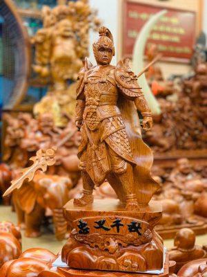 tượng gỗ triệu tử long gỗ hương đá cao 60