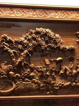 tranh vinh quy bái tổ gỗ hương ta
