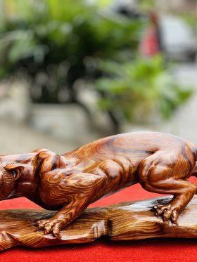 Tượng báo săn mồi gỗ cẩm sụn ngang 46cm - 1