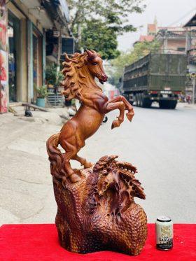 Nhất Mã Phi Thiên Gỗ Hương Ta Cao 77cm -1