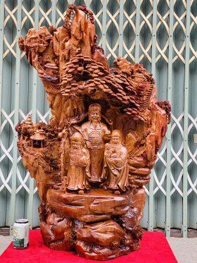 Tam Đa Dưới Tán Tùng Gỗ Hương Ta Cao 105cm -1
